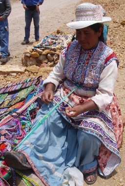 Colca_weaving_2