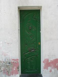 Green_door_2