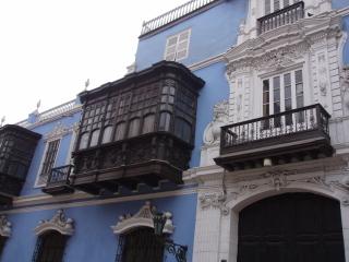 Lima_balcony_blue
